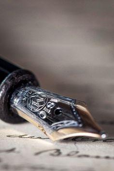 Fountain Pen, gold & black