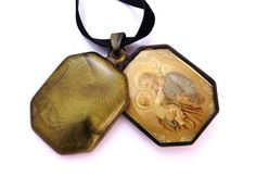 Art Deco Locket Necklace Celluloid Gold by IfindUseekVintage