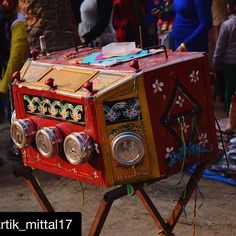 #Repost @kartik_mittal17 with @repostapp. To get featured tag your posts with #talestreet  This is an entertainment box these kind of entertainment boxes used to be highlights of melas nationwide. These contain motion pictures like scenes from a movie or something like that. Shame that culture is slowly fading away #entertainment #mela #surajkund #delhigram #delhiwale #desi_diaries #indiaclicks #indiapictures #colorful #colour #_soi  #nikon #nikonofficials #incredibleindia #desi #travel…
