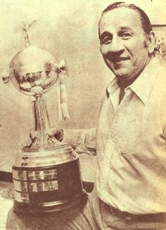 El Toto con la primera Copa en 1977