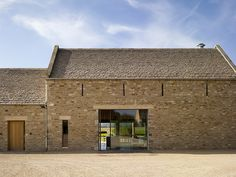 Facade, Stow-on-the-Wold - McLEAN QUINLAN ARCHITECTS - Photographer Peter Cook