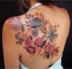 50 Adorable Back Tattoos For Women Inspiration 32 – Rema Selena Floral Back Tattoos, Boho Tattoos, Floral Tattoo Design, Body Art Tattoos, Girl Tattoos, Sleeve Tattoos, Tattoo Designs, Tatoos, Vintage Floral Tattoos