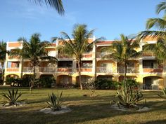 memories-varadero-cuba-resort-building.jpg