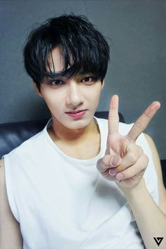 Handsome Man Junhui