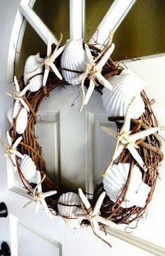 Shell wreath I kagylós koszorú Seashell Art, Seashell Crafts, Beach Crafts, Kids Crafts, Seashell Wreath, Nautical Christmas, Beach Christmas, Noel Christmas, Christmas Ideas