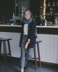 Best Ideas For Style Hijab Remaja Gemuk hijab casual Hijab Casual, Ootd Hijab, Hijab Style, Hijab Chic, Style Hijab Simple, Fashion 60s, Modern Hijab Fashion, Street Hijab Fashion, Fashion Outfits