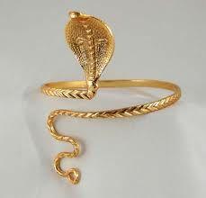 Arm bracelet... hot!