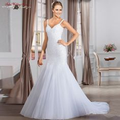 elegant wedding dress, i like its shape, looks so beautiful