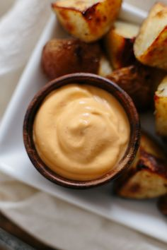 will never know the difference between this vegan chipotle aioli and the regular stuff made with eggs. Delicious on roasted potatoes, french fries, or on a crudite spread. Vegan Sauces, Vegan Foods, Vegan Dishes, Vegan Recipes, Cooking Recipes, Paleo Vegan, Vegan Meals, Vegan Chipotle, Chipotle Aioli