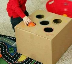 Learn about colours Sensory Activities, Infant Activities, Activities For Kids, Crafts For Kids, Baby Games, Games For Kids, Montessori Baby, Old Boxes, Toy Craft