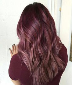 Trendfrisuren Frank, akkurater Mittelscheitel oder This particular language Minimize Cease to live Frisurentrends 2020 Maroon Hair Colors, Hot Hair Colors, Ombre Hair Color, Hair Color Balayage, Cool Hair Color, Hair Colour, Maroon Colour, Dark Colors, Ombre Balayage