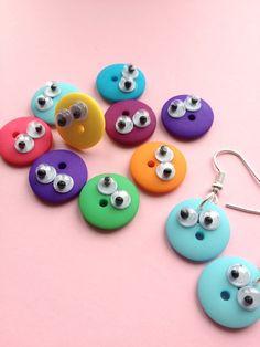 Jelly Button Jewellery — SmartEars Earrings - cheap silver jewelry, jewellery making, online store jewelry *ad Bead Crafts, Jewelry Crafts, Handmade Jewelry, Button Art, Button Crafts, Kids Jewelry, Jewelry Making, Crafts To Make, Crafts For Kids