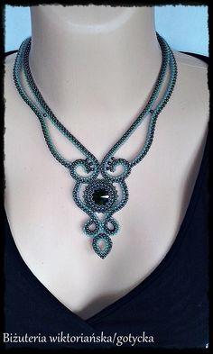 Bead Jewellery, Beaded Jewelry, Jewelery, Beaded Necklace, Handmade Necklaces, Handmade Jewelry, Beads And Wire, Bead Weaving, Beaded Embroidery