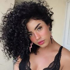 gorgeous curls Wavy Hair Problems, Curly Hair Tips, Curly Hair Styles, Voluminous Curls, Curly Hair Tutorial, Perfect Curls, Hair Hacks, Naturally Curly, Foto E Video