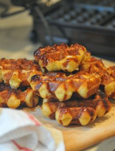 NINE + SIXTEEN: Recipe | Farmer's Market (Liege) Belgian Waffles...like Taste of Belgium