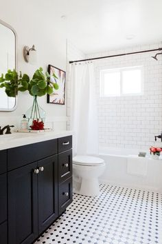 Black and white tile bathroom with a dresser gymnast .Black and white tile bathroom with a dresser gymnast . - Bad Black dresser subwaytiles Tile Black and white bathroom with Subway Tile Showers, White Subway Tile Bathroom, White Bathroom Paint, Bad Styling, Best Bathroom Designs, Design Bathroom, Bathroom Colors, Shower Designs, Bathroom Inspo