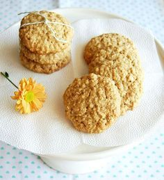 I have several favorite TV cooks – Nigella, Nigel Slater, Jamie Oliver, among others – but there is one lady I adore and she's not on TV, . Nigel Slater, Cookie Swap, Cookie Bars, Coco, Macarons, Little Cakes, Desserts To Make, Oatmeal Cookies, Everyday Food
