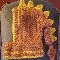 Michelle Colvin added a photo of their purchase Crochet Heart Blanket, Crochet Baby Hats, Crochet Hooks, Dragon En Crochet, Crochet Leaf Patterns, Crochet Hooded Scarf, Hood Pattern, Yarn Sizes, Chunky Crochet