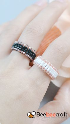 Diy Bracelets Patterns, Diy Bracelets Easy, Beaded Bracelet Patterns, Handmade Bracelets, Diy Rings Easy, Handmade Wire Jewelry, Diy Crafts Jewelry, Bracelet Crafts, Crochet Wire Jewelry