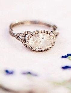 Vintage Sapphire Bloom Ring