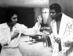 """U serious ?""   Elvis fighting Mohammad Ali"