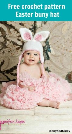 This Easter bunny crochet hat is adorable and easy to make, a perfect handmade gift for babyshower. Click through to get this simple free pattern.
