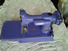 Vintage Singer 221 Featherweight 1939 Sewing Machine Repainted Purple | eBay
