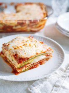 Courgettes et tofu alla parmigiana, Ricardo Cuisine Vegetable Recipes, Vegetarian Recipes, Cooking Recipes, Tofu Recipes, Healthy Recipes, Tofu Lasagna, Confort Food, Unique Recipes, Different Recipes