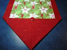 10 Minute Table Runner Tutorial shows 2 finishing looks. PDF (from different source) instructions show 1 http://delawarequilts.com/10-minuteTableRunner.pdf