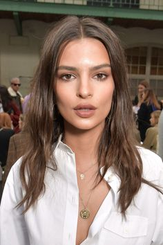 The most dramatic celebrity hair colour swaps Having a hair colour makeover can make all the difference. If you're unsure whether to go for such a big change, check out how it's worked (or not) for these guys Natural Makeup For Brown Eyes, Brown Eyes Hair Color, Emily Ratajkowski Style, Emily Ratajkowski Makeup, Change Hair Color, Celebrity Hair Colors, Star Hair, Blonde Color, Blonde Brunette