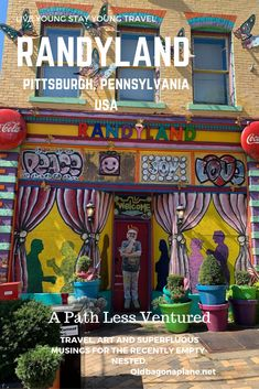 Local artist Randy Gilson bought this house in the Mexican War Streets area of Pittsburgh in 1995 with a credit card. He then set about repurposing rubbish into art and has created, what has been voted, the happiest place on Earth. #randyland #pittsburgh #pennsylvania #momentsofmine #traveladdict #wanderlust #solotravel #solofemaletravel #arttravel