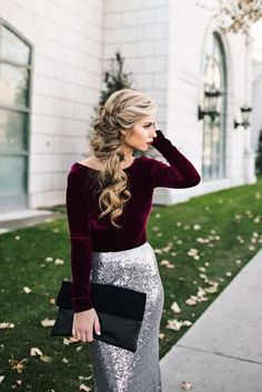 Sequins, burgundy, holiday or New Year's Eve outfit, New Year's Eve makeup. New Years Outfit, New Years Eve Outfits, New Years Dress, Holiday Hairstyles, Wedding Hairstyles, Side Hairstyles, Elegant Hairstyles, Silvester Party Outfit, Wedding Hair And Makeup