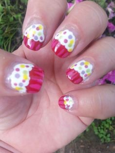 Day 10 in 31 Days of Summer Nail Art