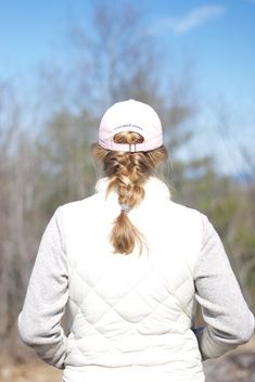 A preppy spring hike with my Vineyard Vines hat!