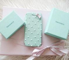Breakfast at Tiffany's phone case???!!! Need!!