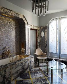 This bathroom is what dreams are made of. | Photo: Nicolas Tosi; Design: @bismut_architecture #instadecor #interiordesign #instahome