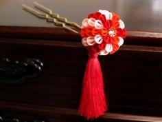 飴玉簪✤コロンと丸い髪飾り *くす玉簪*  赤い房付き