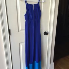 Old Navy maxi dress blue Sz XS Worn once. Size XS from old navy. A two tone maxi dress. Perfect condition. Can measure exact length upon request. Neckline to bottom hem is 50 1/2 inches. Old Navy Dresses Maxi