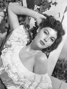"""Image detail for -. Ava Gardner in a publicity still for """"The Barefoot Contessa"""" 1954 Old Hollywood Stars, Hollywood Icons, Old Hollywood Glamour, Hollywood Actor, Golden Age Of Hollywood, Vintage Hollywood, Hollywood Actresses, Classic Hollywood, Classic Actresses"""