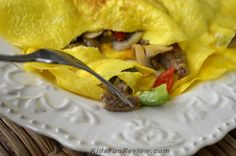 Western omelet with cheese and sausage #DoItAllMom #cbias