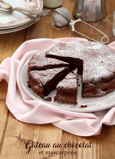 Chocolate and mascarpone cake (Recipe by Cyril Lignac Mascarpone Cake, Mascarpone Recipes, Creme Mascarpone, Crepe Recipes, Molecular Gastronomy, Macaroons, Plated Desserts, Food Plating, Gourmet Recipes