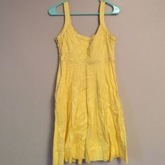 Calvin Klein size 6 yellow dress Such a great spring or summer dress. It is a size 6 and I really don't want to see it go. It is 100% cotton! Calvin Klein Dresses Midi