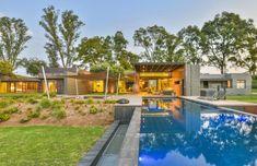 Eco-luxury in Centurion. House Prices, Entertaining, Luxury, Hot, Outdoor Decor, Home Decor, Homemade Home Decor, Interior Design, Home Interiors