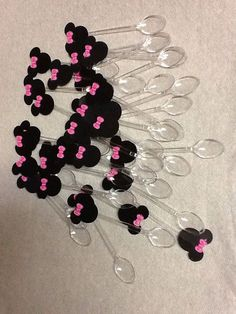 Minnie Mouse mini spoons by CalixtoDE on Etsy.instead use mickey Minie Mouse Party, Minnie Mouse Theme Party, Fiesta Mickey Mouse, Minnie Mouse Baby Shower, Mickey Y Minnie, Minnie Mouse Pink, Mickey Party, Mouse Parties, Minnie Mouse Favors
