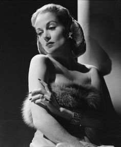 American film actress Carole Lombard as Maria Tura in 'To Be Or Not To Be' directed by Ernst Lubitsch