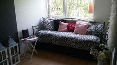 My guestroom Sofa, Couch, Feng Shui, Guest Room, Heart, Furniture, Home Decor, Settee, Settee