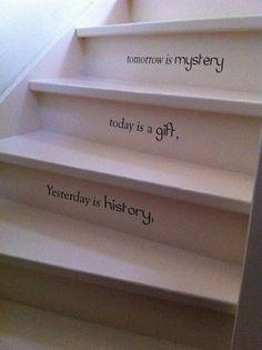 Mooie tekst op een trap plakken