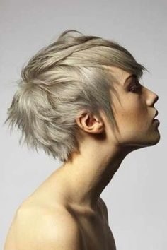 38 Funky Hairstyles for Short Hair - Hair Beauty Funky Hairstyles, Pretty Hairstyles, Hairstyle Ideas, Pixie Haircuts, Blonde Hairstyles, Style Hairstyle, Hairstyles Haircuts, Woman Hairstyles, Casual Hairstyles