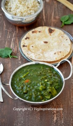 Aloo Palak Curry (Baked potato in spinach gravy curry)