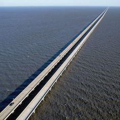 World's Scariest Bridges Scary Bridges, Downtown New Orleans, Lake Pontchartrain, Louisiana Usa, Mackinac Bridge, Fear Of Flying, Forest Floor, Suspension Bridge